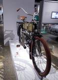 黄铜1904四缸摩托车 免版税库存照片