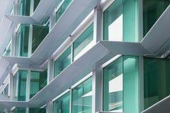 铝合成材料ACM办公楼 免版税库存照片