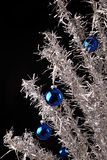 铝圣诞树 免版税库存照片