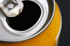 铝罐饮料 免版税图库摄影