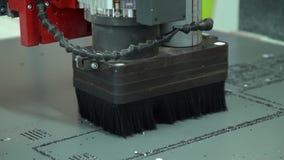 铣床的操作 综合的切口 板刻的设备 影视素材