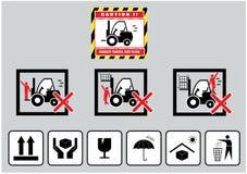 铲车小心(保留清楚的交通警告)和纸板标志 库存例证