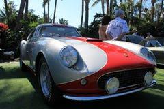 银和红色意大利语法拉利01 免版税库存图片