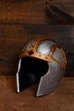 银和金战士盔甲 库存图片