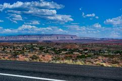 银朱的峭壁布赖斯峡谷在犹他美利坚合众国 库存图片