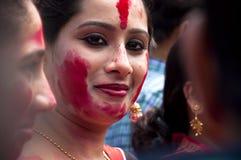 银朱的戏剧(Sindur khela)在durga puja期间 库存图片