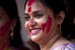 银朱的戏剧(Sindur khela)在durga puja期间 库存照片