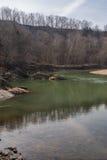 银朱的河 库存图片