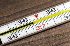 水银温度表36 6 免版税库存照片
