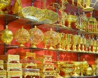 银色和金黄船 库存照片
