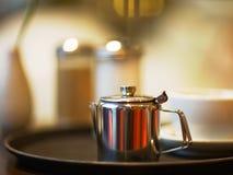 银色咖啡罐 免版税库存图片