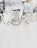 银色圣诞节装饰-雪花,中看不中用的物品,诗歌选和 免版税库存图片