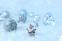 银色圣诞节装饰 库存例证