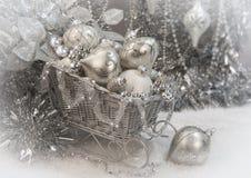 银色圣诞节雪橇 免版税库存图片