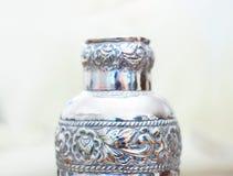 银色觚瓶 免版税库存照片