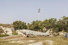 银色达可它道格拉斯DC-3航空器 免版税库存照片
