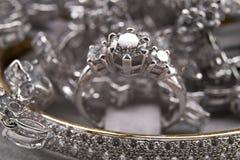 银色金刚石首饰收藏 免版税图库摄影