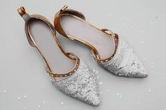 银色高跟鞋鞋子 库存照片