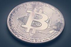 银色bitcoin物理 库存图片