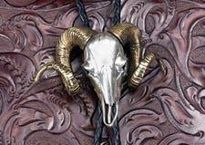 银色Ram头印地安饰扣式领带 免版税库存照片
