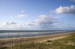 银行外面海滩的ocracoke 库存照片