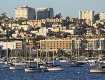 银行家小山看法从圣地亚哥海湾的 库存照片