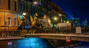 银行桥梁新来的人彼得斯堡st 免版税库存图片