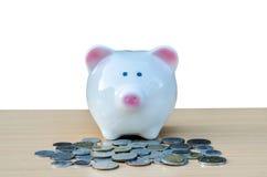 银行现金逗人喜爱的贪心栈 储款和金钱的概念 免版税库存图片