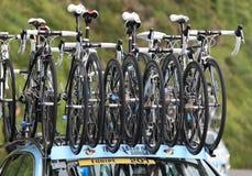 银行骑自行车saxo sungard小组 库存图片