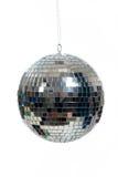 银,在白色的被反映的迪斯科球 免版税图库摄影