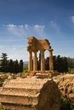铸工和北河三希腊寺庙  免版税库存图片