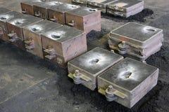 铸造厂,沙子铸造了铸件 图库摄影