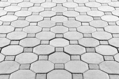 铺六角形砖走道 库存图片