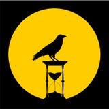 铺沙滴漏、月亮和乌鸦-例证 图库摄影