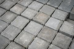 铺磁砖的大卵石石头,路面石头-建筑业- 库存照片