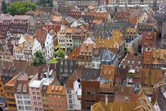 铺磁砖的大厦屋顶 免版税库存图片