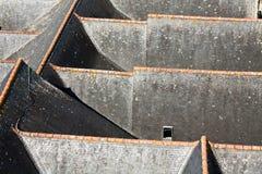 铺磁砖的屋顶板岩 免版税库存照片