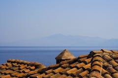 铺磁砖的屋顶海运 免版税库存图片