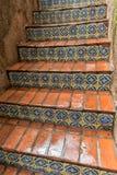 铺磁砖的楼梯, Tlaquepaque在Sedona,亚利桑那 免版税图库摄影
