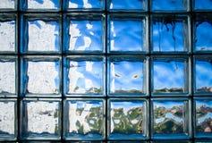 铺磁砖的玻璃墙 免版税库存图片