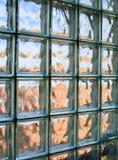 铺磁砖的玻璃墙 库存照片