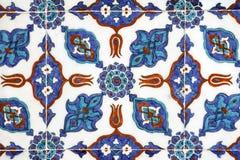 铺磁砖Rustem巴夏清真寺,伊斯坦布尔的墙壁装饰 库存照片
