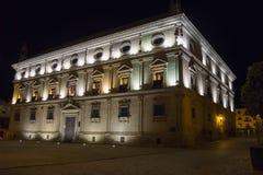 链子在晚上,宇部的巴斯克斯de莫利纳Palace宫殿, 库存图片