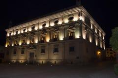 链子在晚上,宇部的巴斯克斯de莫利纳Palace宫殿, 免版税库存图片
