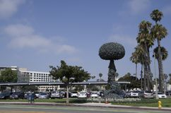 链式反应,雕塑艺术佐田莫妮卡加利福尼亚 免版税图库摄影
