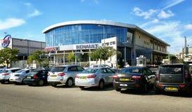 销售和服务中心雷诺和日产车 免版税库存照片