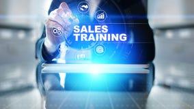 销售培训、业务发展和财政成长概念在虚屏上 免版税库存照片