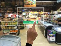 销售概念,聪明的被增添的现实,顾客的事互联网我们在注册的ar应用对购买的系统,搜寻p 免版税库存图片
