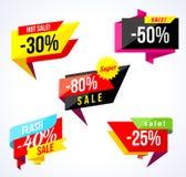 销售横幅汇集 色的贴纸和横幅 几何形状和五彩纸屑 大套美好的折扣和 免版税图库摄影