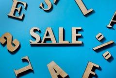 销售,在蓝色背景的设计销售,折扣率 皇族释放例证